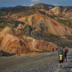 Wanderung zwischen den bunten Bergen von Landmannalugar, Island